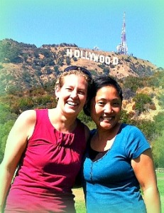 Friends-in-front-hollywood-sign